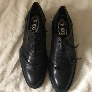 TODS Black leather oxford shoes for women size 6